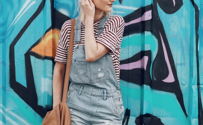 top, outfit, photo, locations, best, best locations, fashion blogger, ootd, instagram, instagram-worthy, outfit photos, las vegas, tips, fashion blogger tips, the nomis niche, lindsey simon, streety style