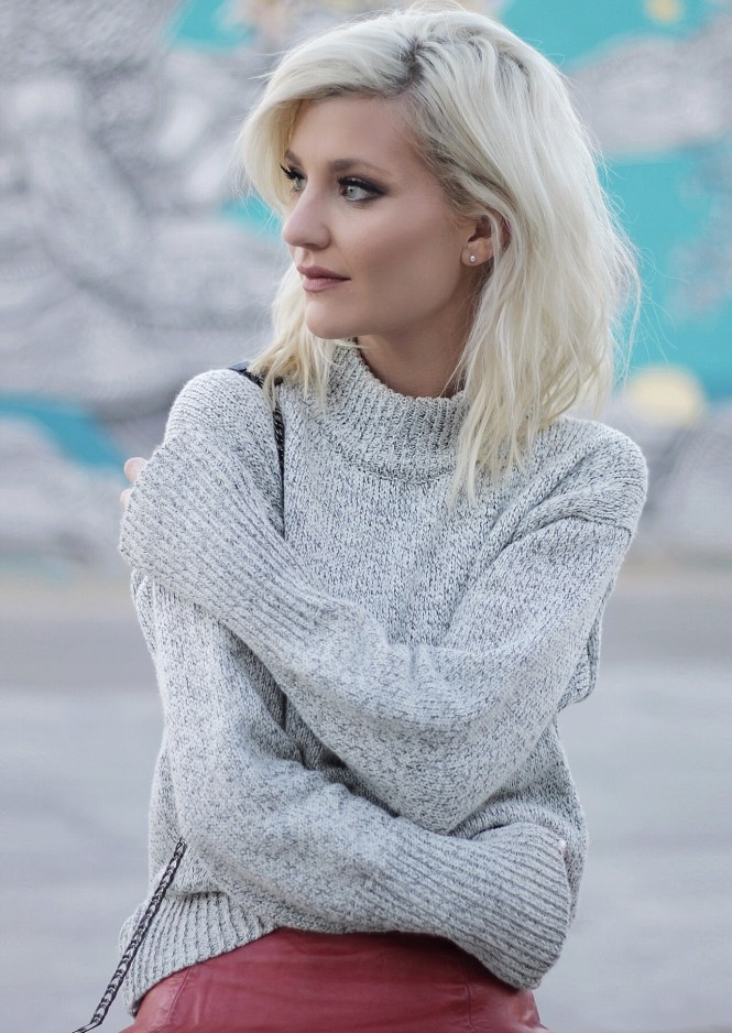gray sweater, how to wear, winter style, winter outfit, winter trends, mock neck, mockneck, romwe, budget fashion, the nomis niche, lindsey simon, fashion blogger, las vegas