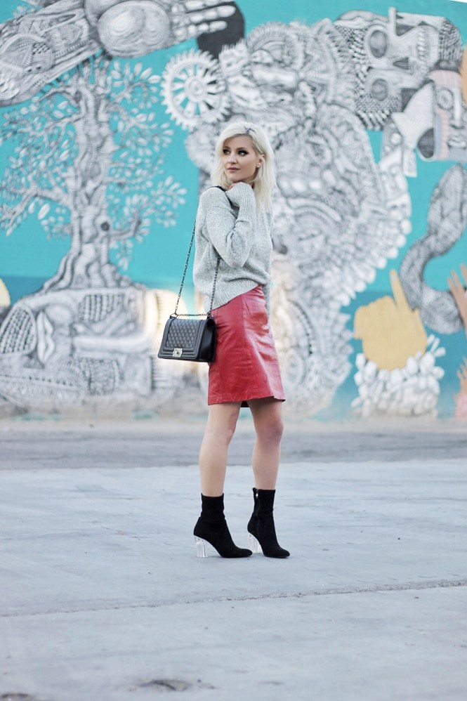 gray sweater, red skirt, sock booties, how to wear, winter style, winter outfit, winter trends, mock neck, mockneck, romwe, budget fashion, the nomis niche, lindsey simon, fashion blogger, las vegas