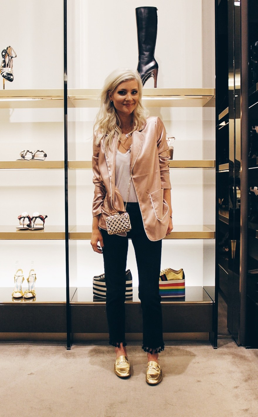 galentines day, valentines day, gucci, fashion blogger, fashion, style, gifts, gucci purse, gucci bag, loafers, mules, outfit, lindsey simon, the nomis niche, las vegas fashion blogger, the forum shops, caesars palace