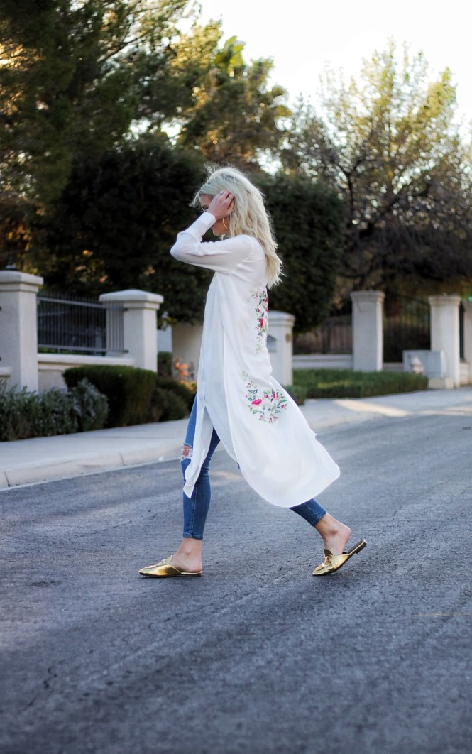 mules, robe, kimono, embroidery, summer style, spring style, fashion blogger, casual style, gold mules, gucci, chloe, how to wear, outfit inspo