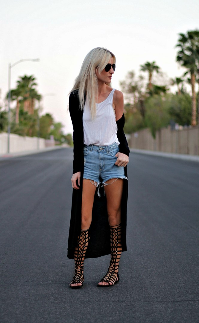 coachella, street, style, summer, spring, 2017, outfit, trend, long cardigan, kimono, robe, fashion, outfit, gladiator, sandals, denim, shorts, cutoffs, how, to wear, diy, blogger, platinum blonde, las vegas, california, the nomis niche, lindsey simon