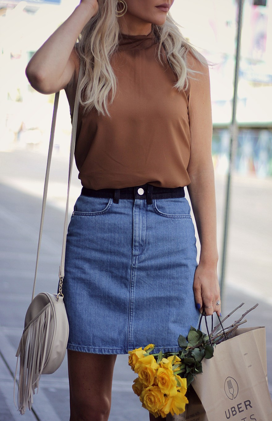 french connection, street style, casual, outfit, inspo, ideas, how to wear, platform shoes, sandals, spring, style, summer, ootd, fashion blogger, denim skirt