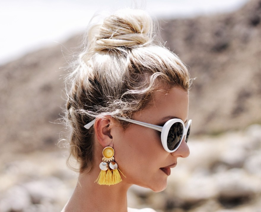 palm springs, fashion blogger, california, style, summer style, summer outfit, white sunglasses, chloe faye bag, tie up sandals, tassel earrings, style,