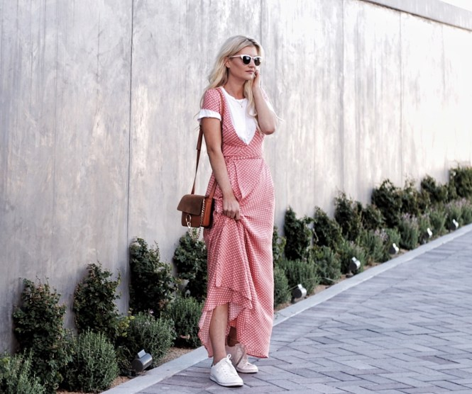polka-dot, maxi dress, maxi, summer style, feminine, style, outfit, summer, outfit, edgy, retro, cat-eye, sunglasses, white, sunnies, sneaker style, white sneakers, coral dress, chloe bag, chloe faye, bag, purse, las vegas, fashion blogger, lindsey simon, the nomis niche, napa valley, wine tasting, boho, bohemian, retro, athleisure