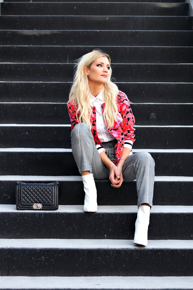 bomber jaket, nyfw, 2017, fall fashion, fall outfit, winter outfit, outfit Inspo, Las Vegas,how to wear, plaid, plaid pants, white boots, white booties, Las Vegas, las vegas blogger, fashion blogger, Lindsey Simon, the noms niche, Chanel bag, street style, blonde hair, blonde wavy hair, who what wear collection, ootd,