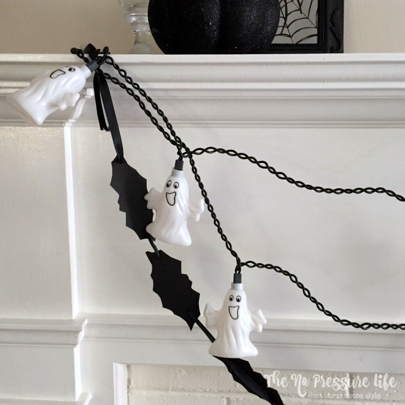 Learn how to make this easy bat Halloween garland and other last-minute Halloween crafts at The No Pressure Life.