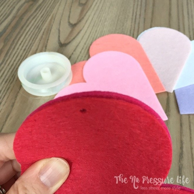 DIY Valentine's Day Mantel Decorations - Heart garland DIY project