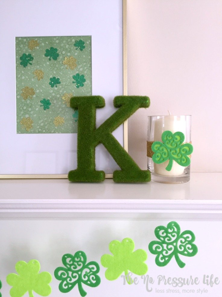 These DIY St. Patrick's Day mantel decorations are so cute! Make these easy St. Patrick's Day crafts in 30 minutes or less.
