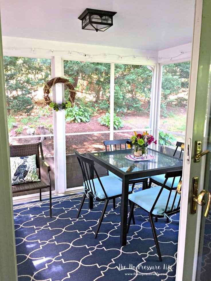 Decorating A Small Living Dining Room: Small Porch Decorating Ideas: 7 Easy And Budget-Friendly