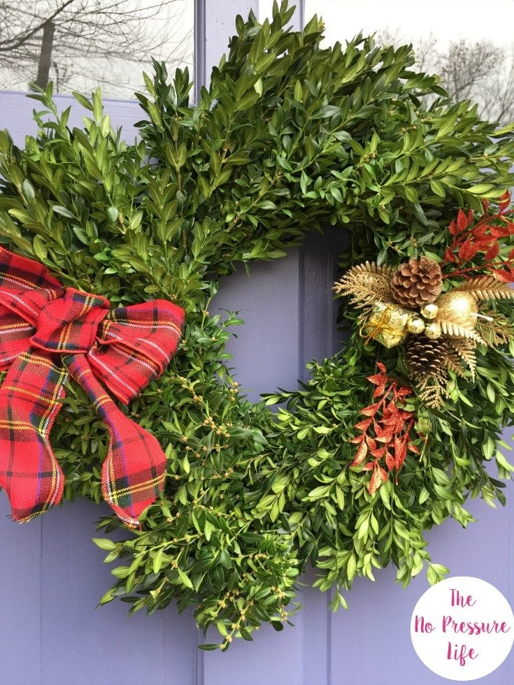 Christmas Curb Appeal - Easy Christmas Boxwood Wreath