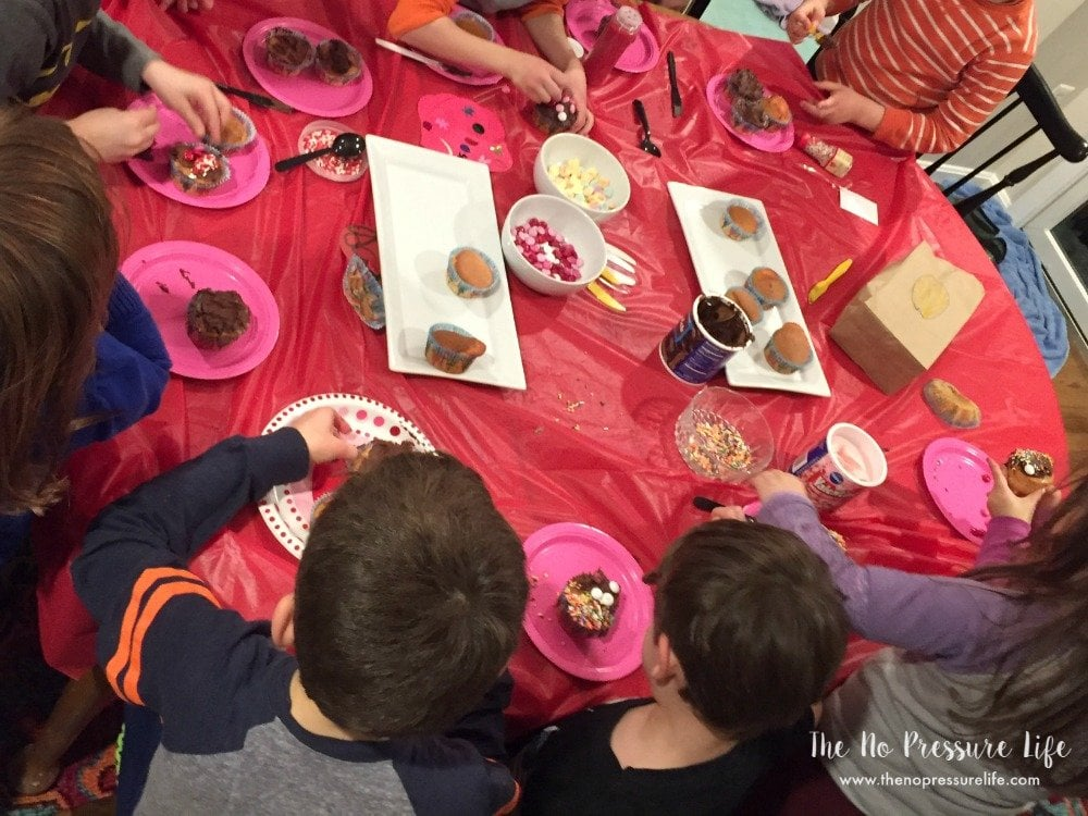 Valentine's Day party for kids - Decorating Cupcakes