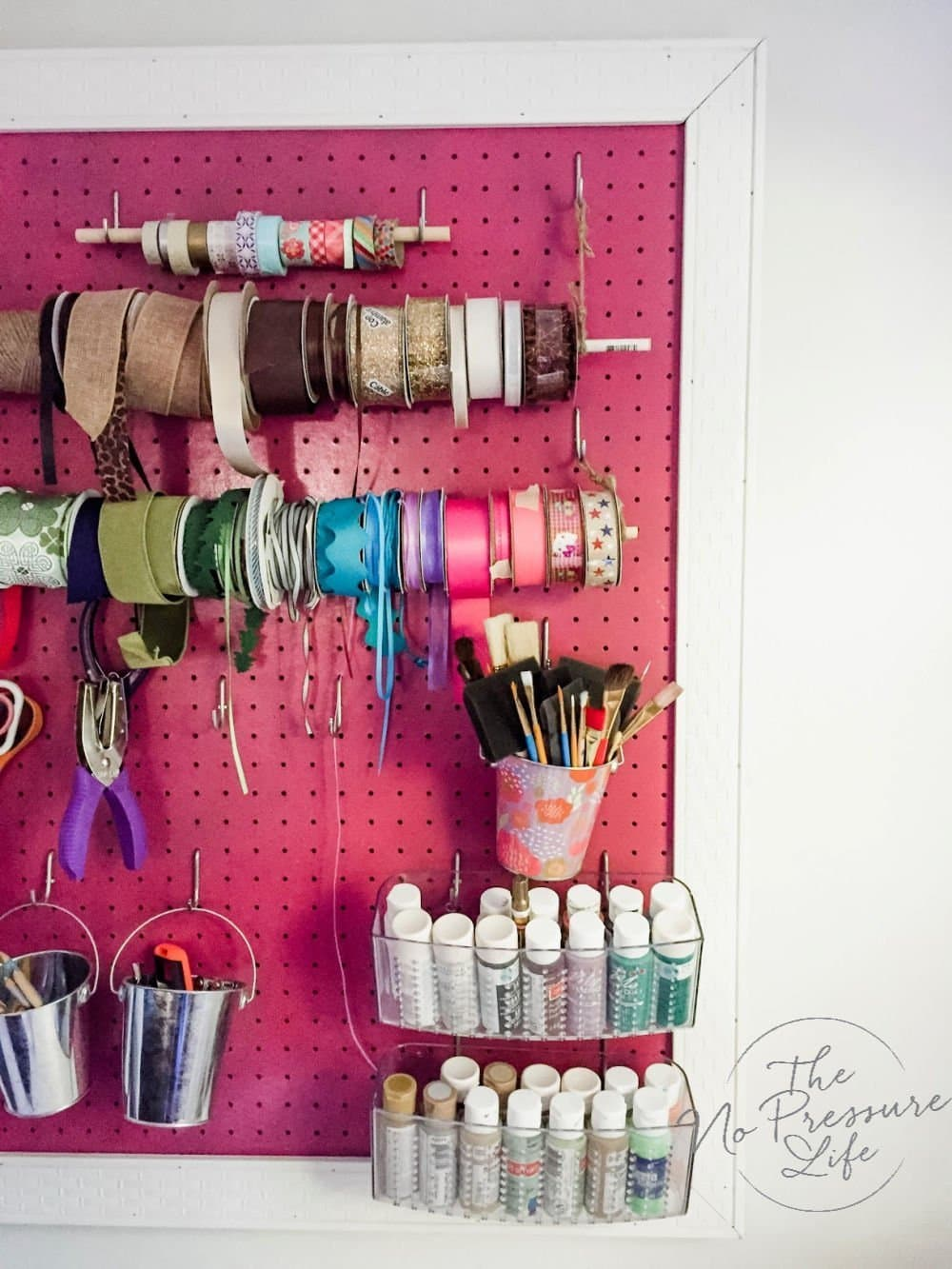 Easy DIY spray paint projects - spray painting peg board