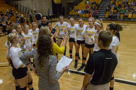 Norse Volleyball loses first two games of season
