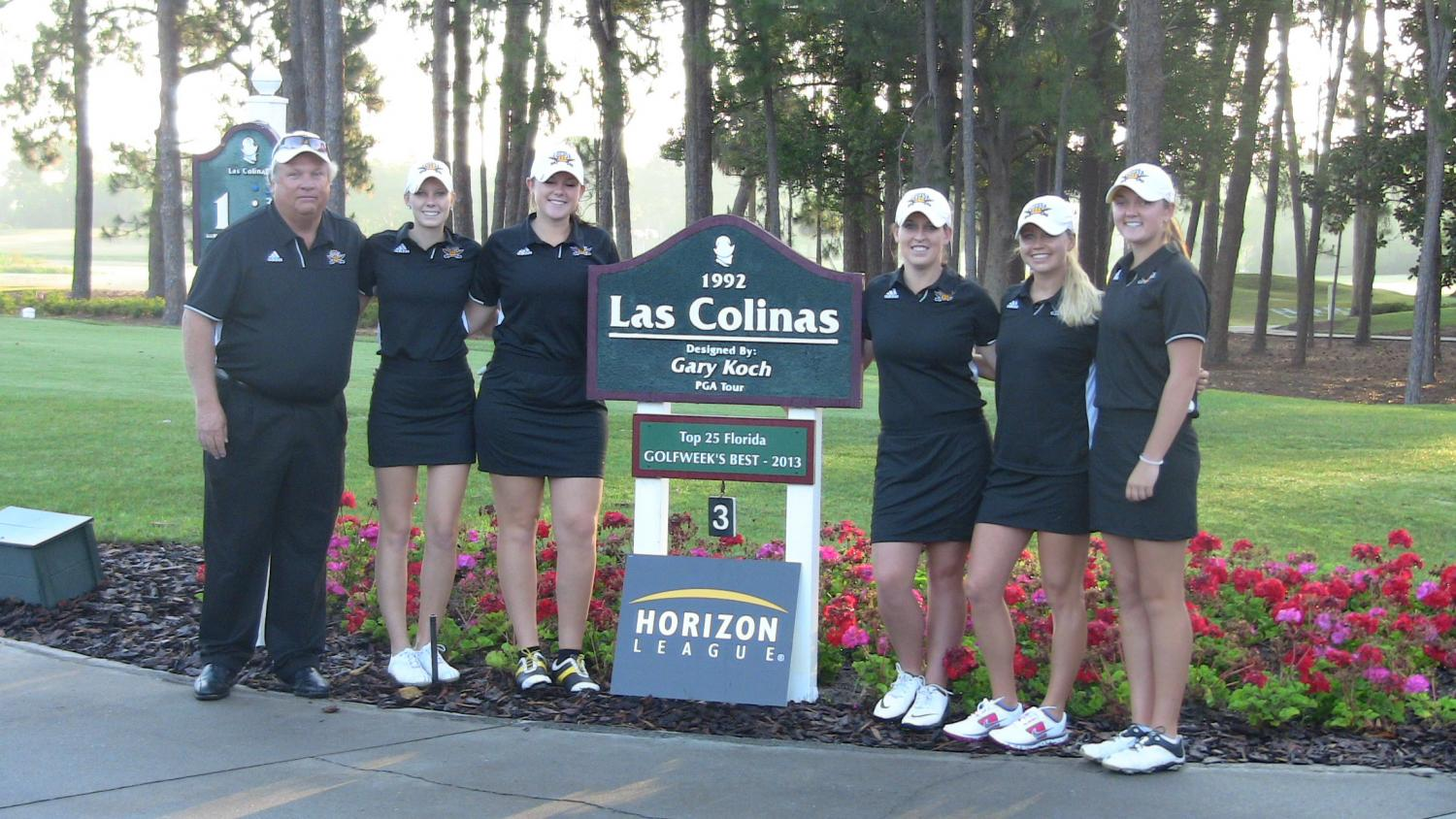 The+NKU+women%27s+golf+team+poses+for+a+picture+at+Las+Colinas+golf+course+during+the+Horizon+League+tournament