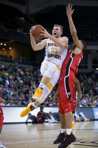 Hot-shooting Norse pound Penguins