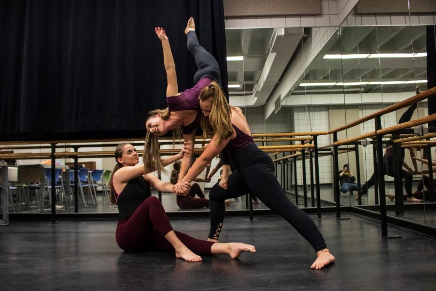 Olivia+Sketch%2C+Brianna+Mullins+and+Lexie+Callaham+are+all+three+dancing+majors.+