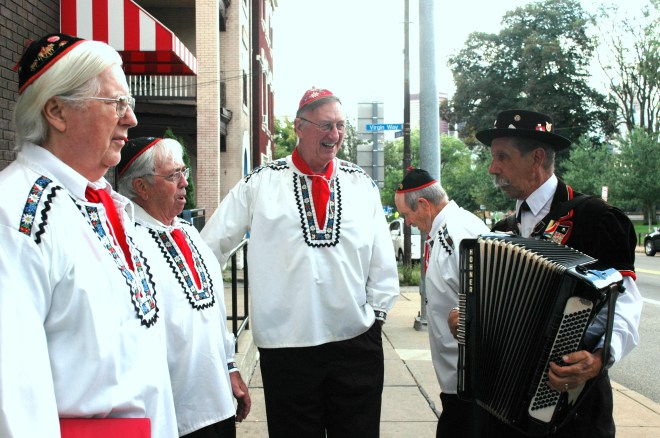 An Austrian singing group from Teutonia Manerchor performed.