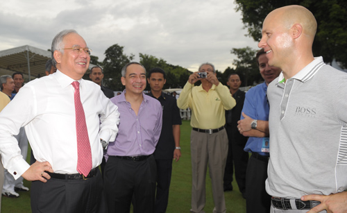 Prime Minister Datuk Seri Najib Razak and Nazir at the Mines Golf and Country Club on 27 Oct 2010
