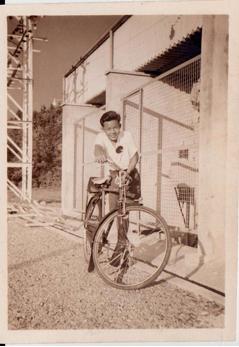 Simon and his bicycle (1954)