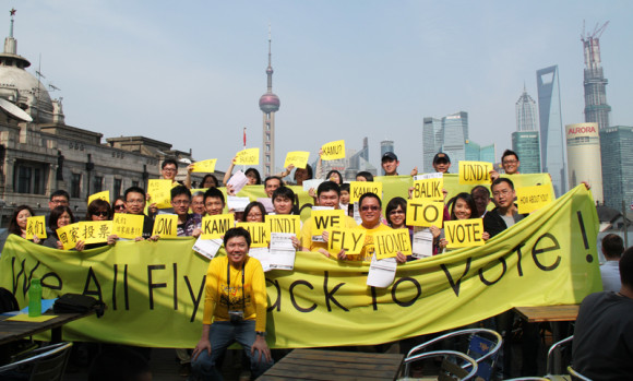 The Malaysians in Shanghai who are returning home to vote gathered on 13 April 2013 for a pre-election briefing on voting procedures (Courtesy of Bersih Shanghai)