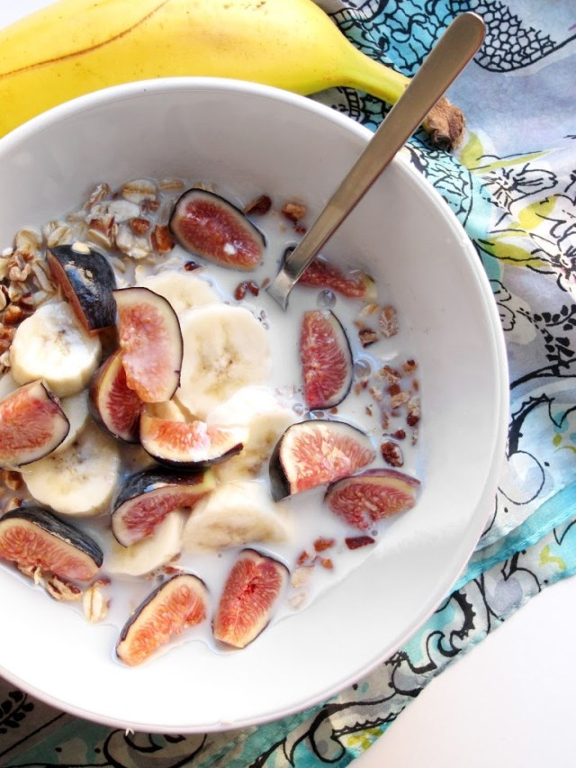 fig-and-banana-muesli-5-