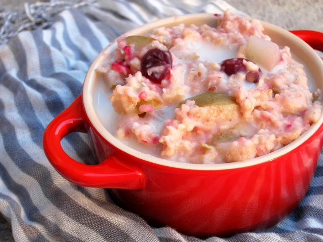 cranberry-pear-oatmeal-25286-2529