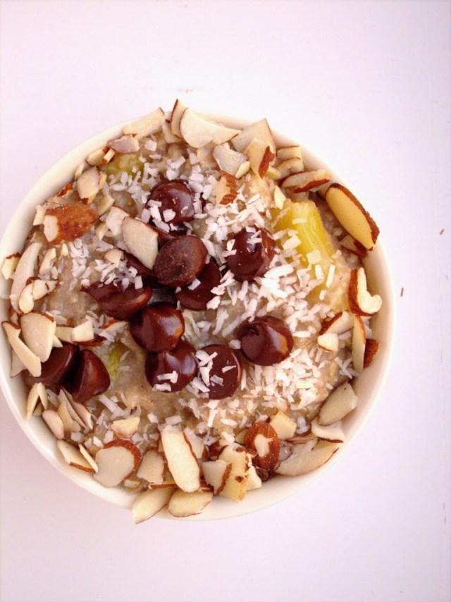 banana-pineapple-chocolate-chip-oatmeal-1-