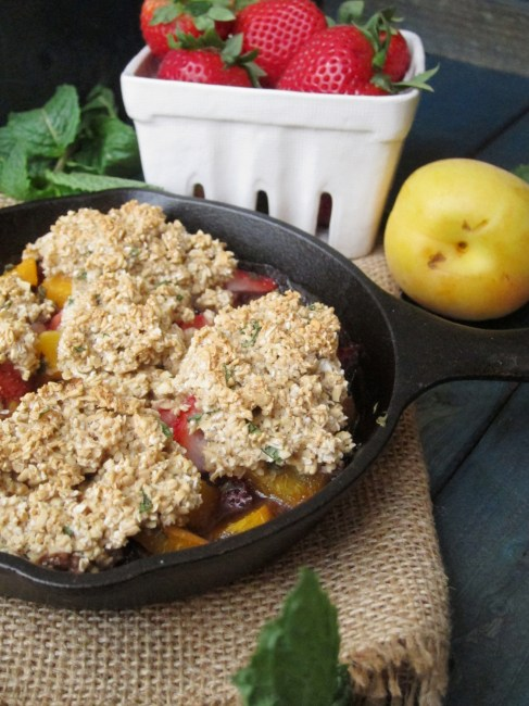 Strawberry Apricot Mint Breakfast Cobbler #vegan  #oatmealartist