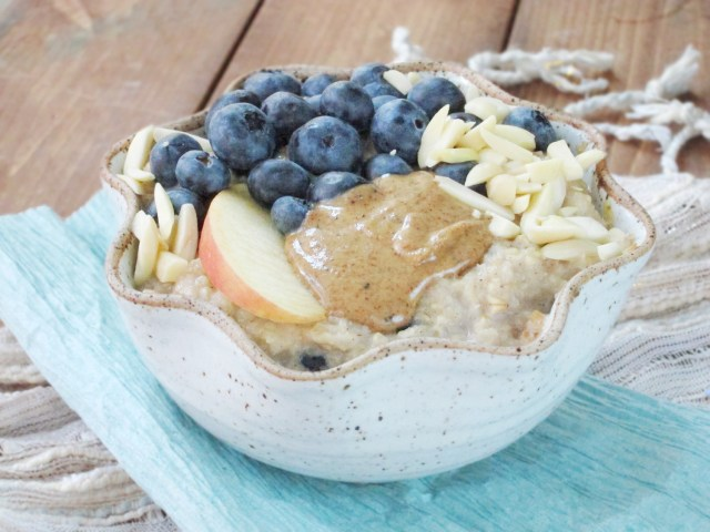Blueberry Apple Oatmeal by the #oatmealartist
