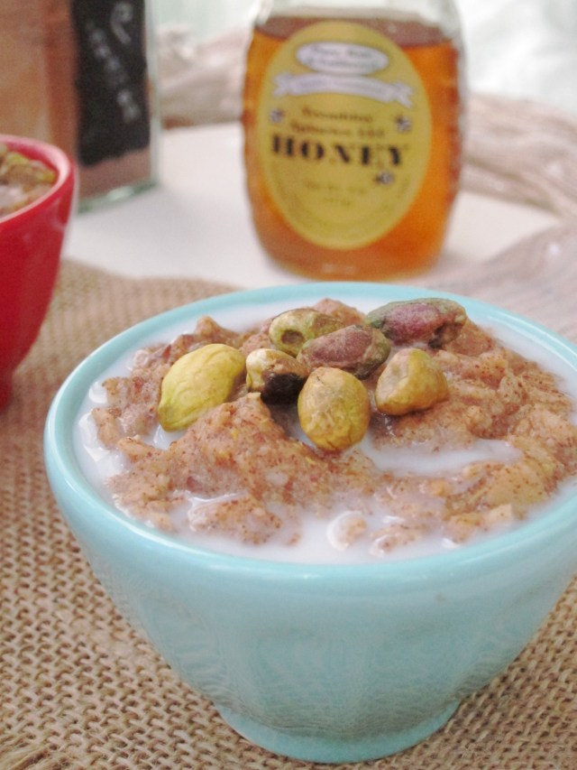 Baklava Oatmeal by #OatmealArtist - made from zucchini!