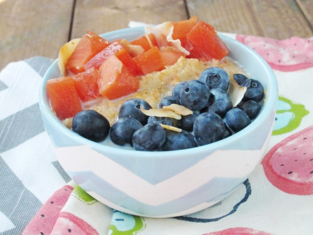 Papaya Blueberry Oatmeal #vegan #oatmealartist