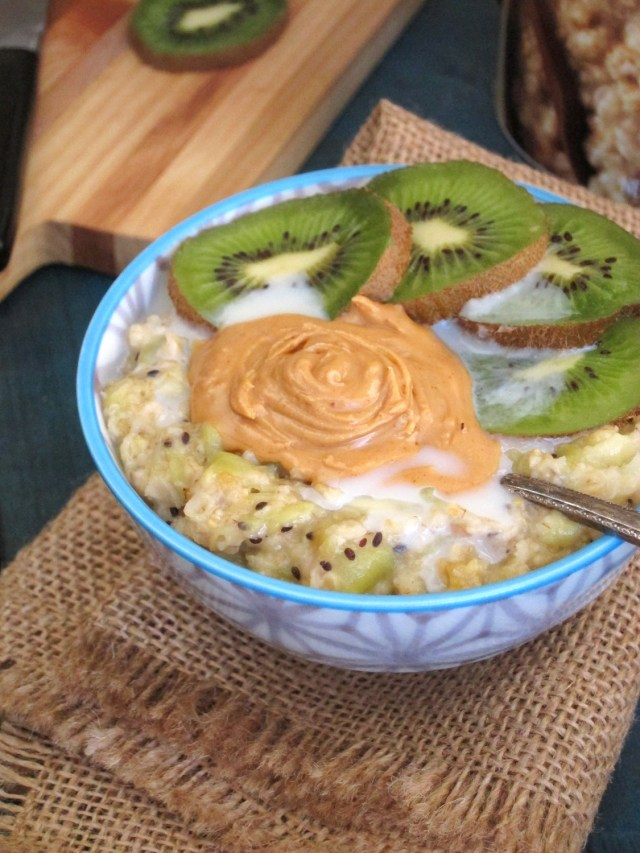 Pineapple Kiwi Oatmeal with Coconut-Peanut Butter | The Oatmeal Artist