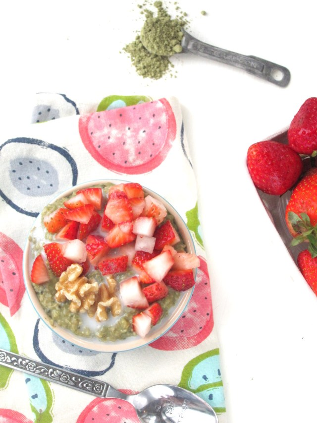 Matcha-Lime Overnight Oatmeal with Strawberries #OatmealArtist #Vegan