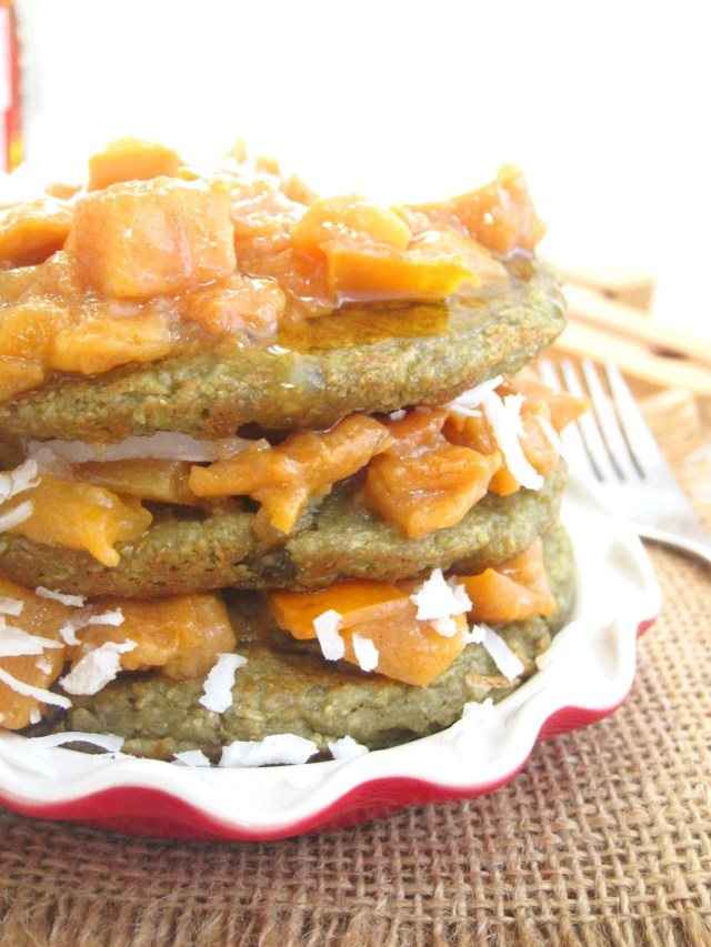 matcha-oatcakes-with-persimmon-compote-2