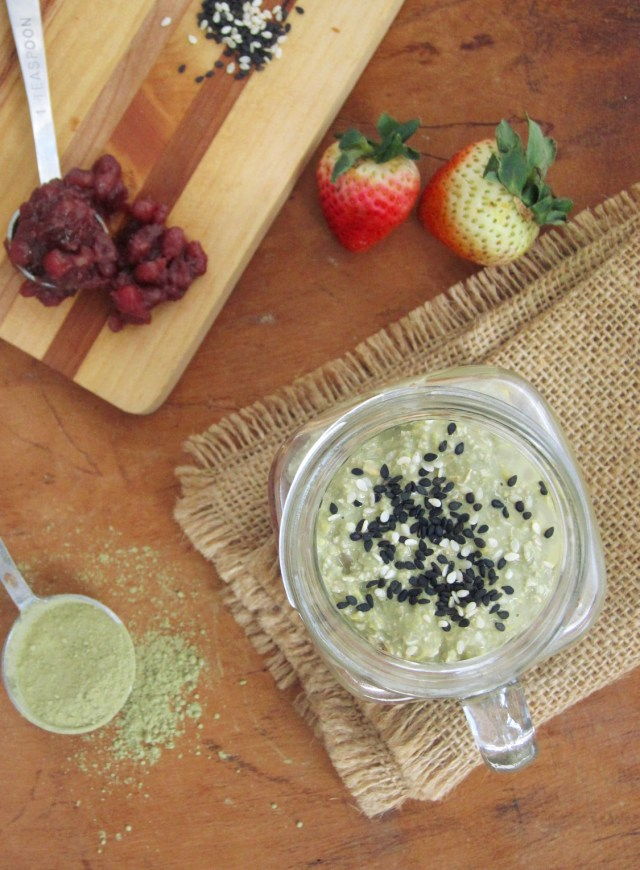 red-bean-paste-and-matcha-overnight-oatmeal-parfait-3