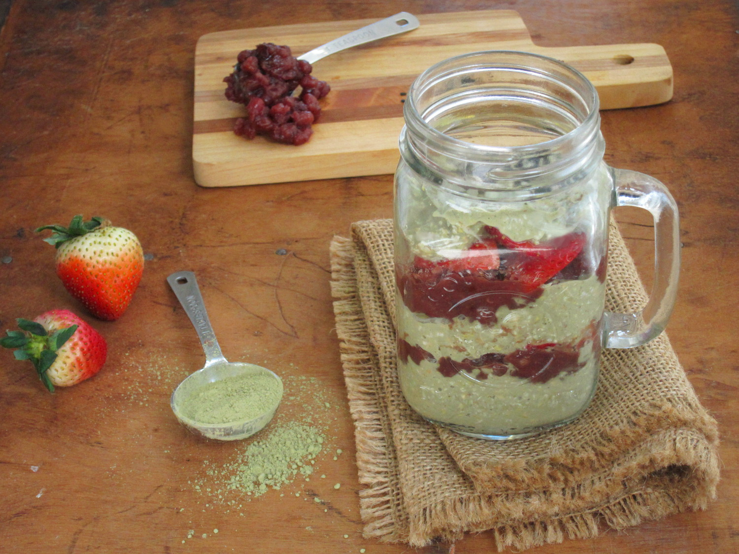 Red Bean Paste And Matcha Overnight Oatmeal Parfait The Oatmeal Artist
