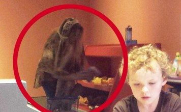 """Horrifying """"Old Hag"""" Ghost Caught on Camera at Fort Worth Museum"""