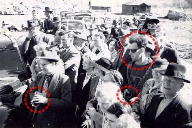 8 Insanely Mysterious Photos That Have Never Been Explained