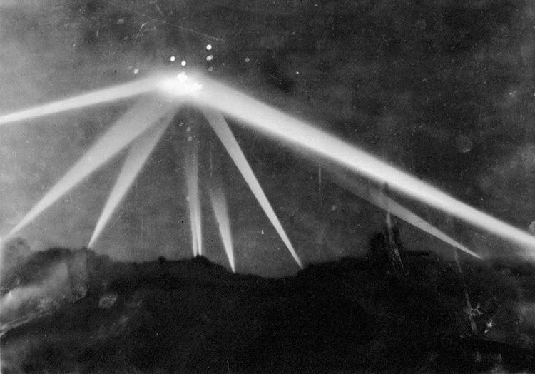 10 observations d'OVNIS les plus importantes enregistrées qui ne peuvent pas être expliquées