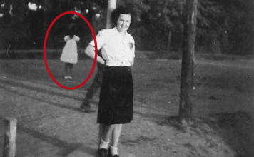 The Girl with No Face: Woman Discovers Spine-Chilling Apparition in Old Family Photograph