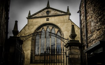 Beyond the Grave: Greyfriars Kirkyard and the Mackenzie Poltergeist