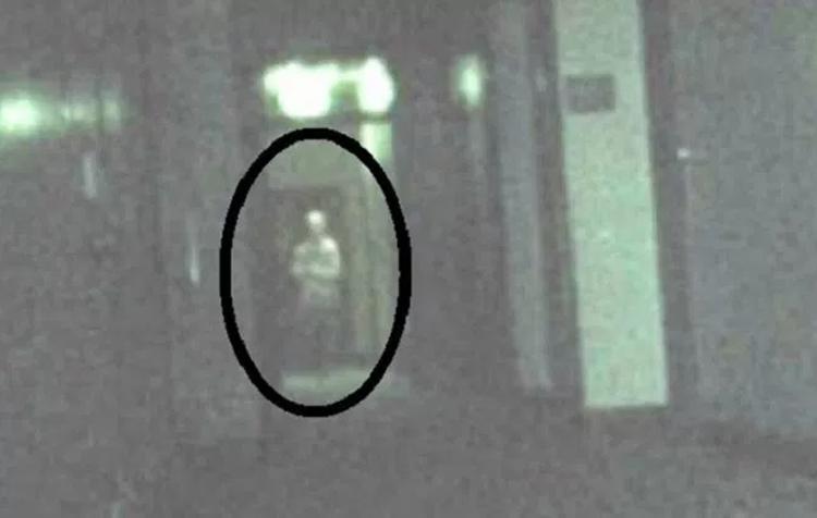 Apparitions fantomatiques capturées dans des hôpitaux hantés et des asiles fous
