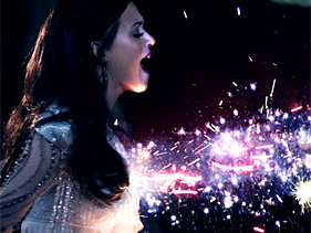 Katy Perry, singer of Firework, claims she saw a ghost