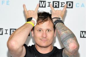 Tom DeLonge is helping the government look for ufos