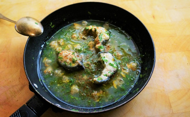 Stewed Eels with Parsley Sauce | Eel Recipes