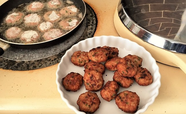 Keftedes recipe – Greek Meatballs
