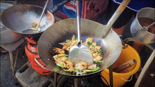 Pad See Ew Recipe – Wok Fried Noodles – Bangkok Streetfood