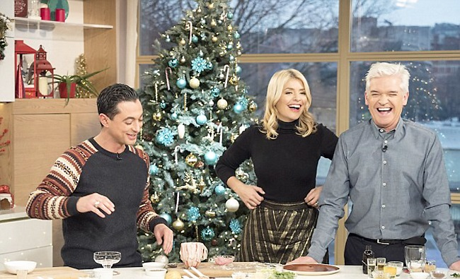 ITV This Morning Christmas Special – Theo cooking Christmas dinner in a mug!