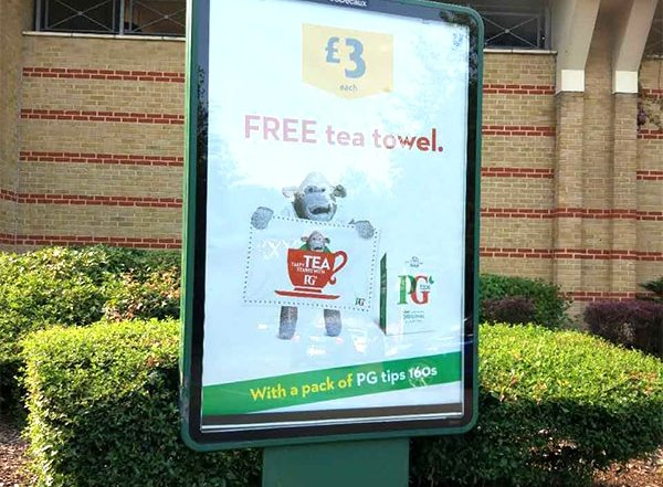 Truly British GWP Idea - Free tea towel by PG tips